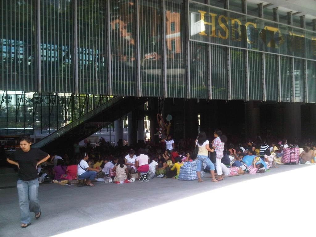 Gbr 3. POPS di area lantai dasar kantor utama HSBC (sumber: penulis)